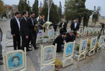 تجدید بیعت و تجلیل از مقام شامخ شهدا با حضور در گلستان شهدا بعنوان اولین برنامه در اصفهان